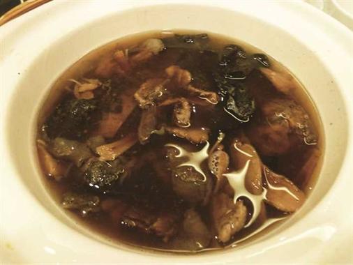 水魚松茸黑虎掌湯